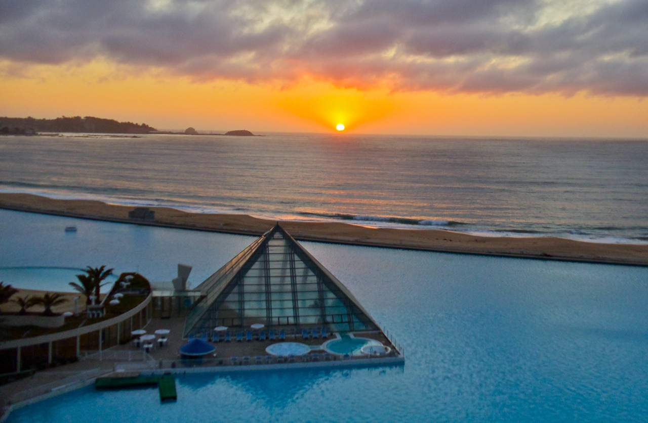 The Worlds Largest Swimmingpool Lifestyle Amour