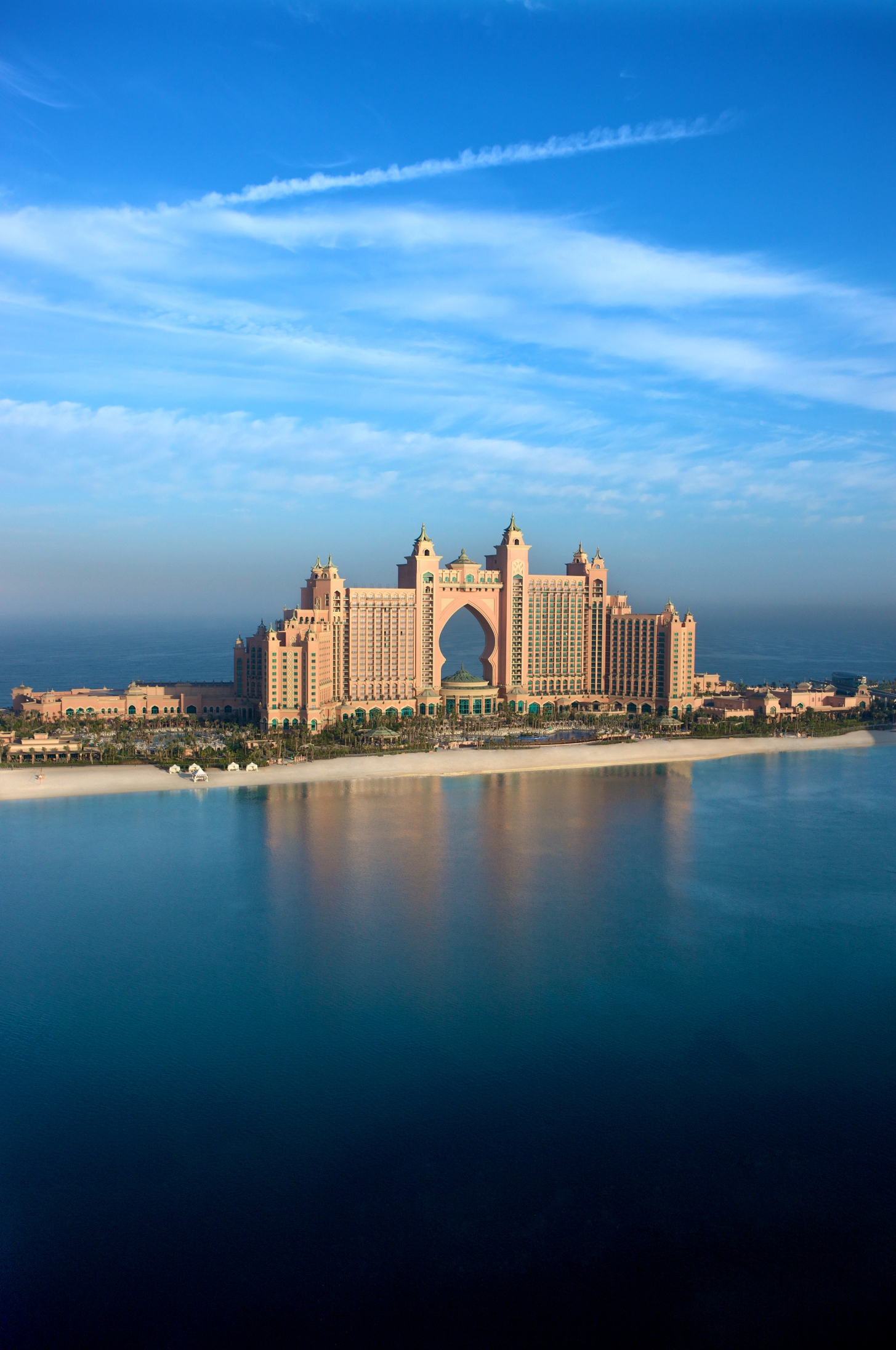 atlantis palm hotel dubai lifestyle amour. Black Bedroom Furniture Sets. Home Design Ideas